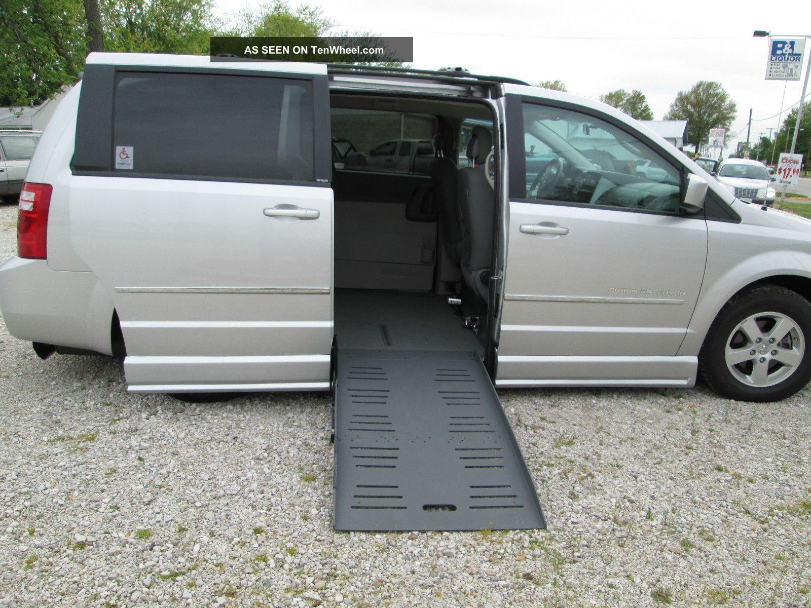 2010 Dodge Grand Caravan Braun Entervan Ii Grand Caravan photo