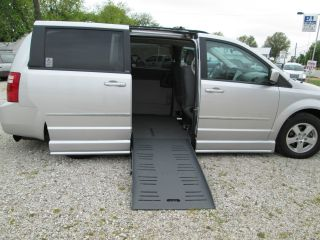 2010 Dodge Grand Caravan Braun Entervan Ii photo