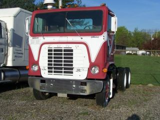 1974 Day Cab Semi 9000 (cummins Diesel Big Cam,  Eaton 10 - Speed Transmission) photo