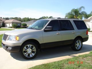 2004 Ford Expedition Xlt Sport Utility 4 - Door 4.  6l photo