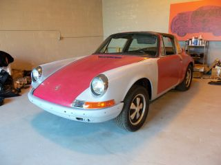 1971 Porsche 911 T Targa Project - Matching Numbers photo