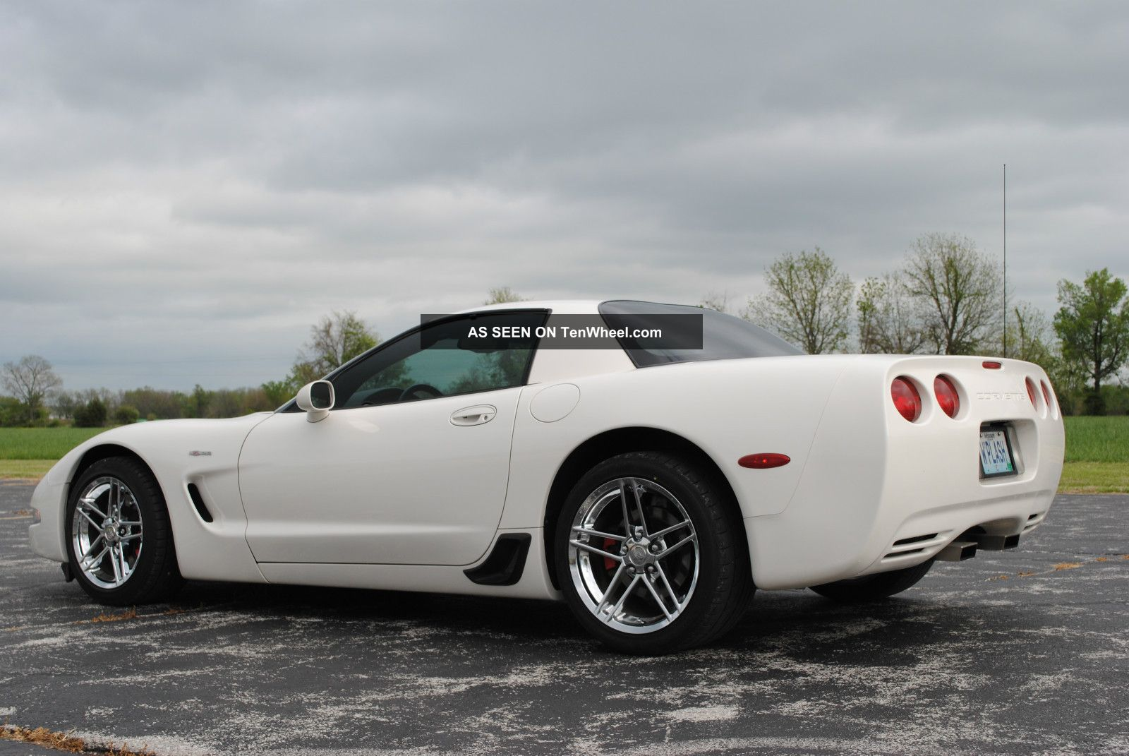 2001 Speedway White Z06 Corvette