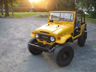 1972 Toyota Land Cruiser Fj40: Paint,  Lifted, ,  Great Frame photo