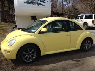 2000 Beetle Gls Yellow photo