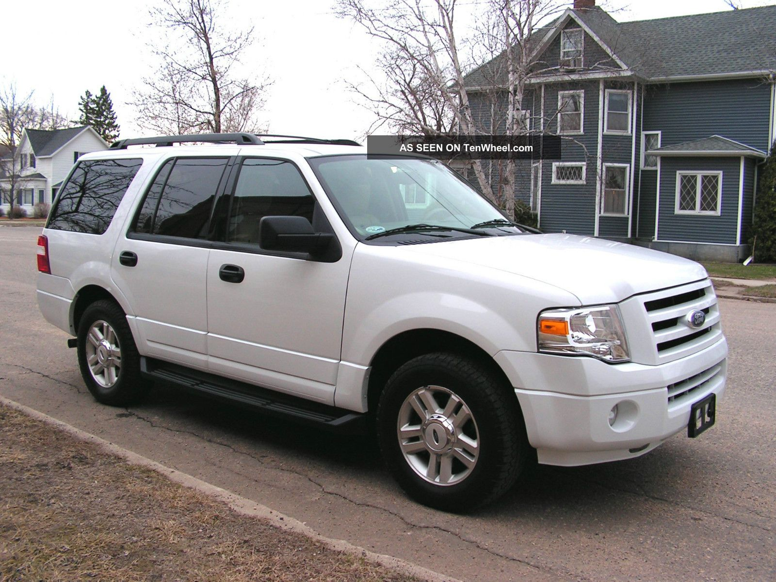 2010 Ford Expedition Xlt White,  4x4,  Flex Fuel,  Only $17,  500 Midwest Located Expedition photo