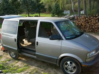 2003 Chevrolet Astro Awd Extended Passenger Van 3 - Door 4.  3l photo