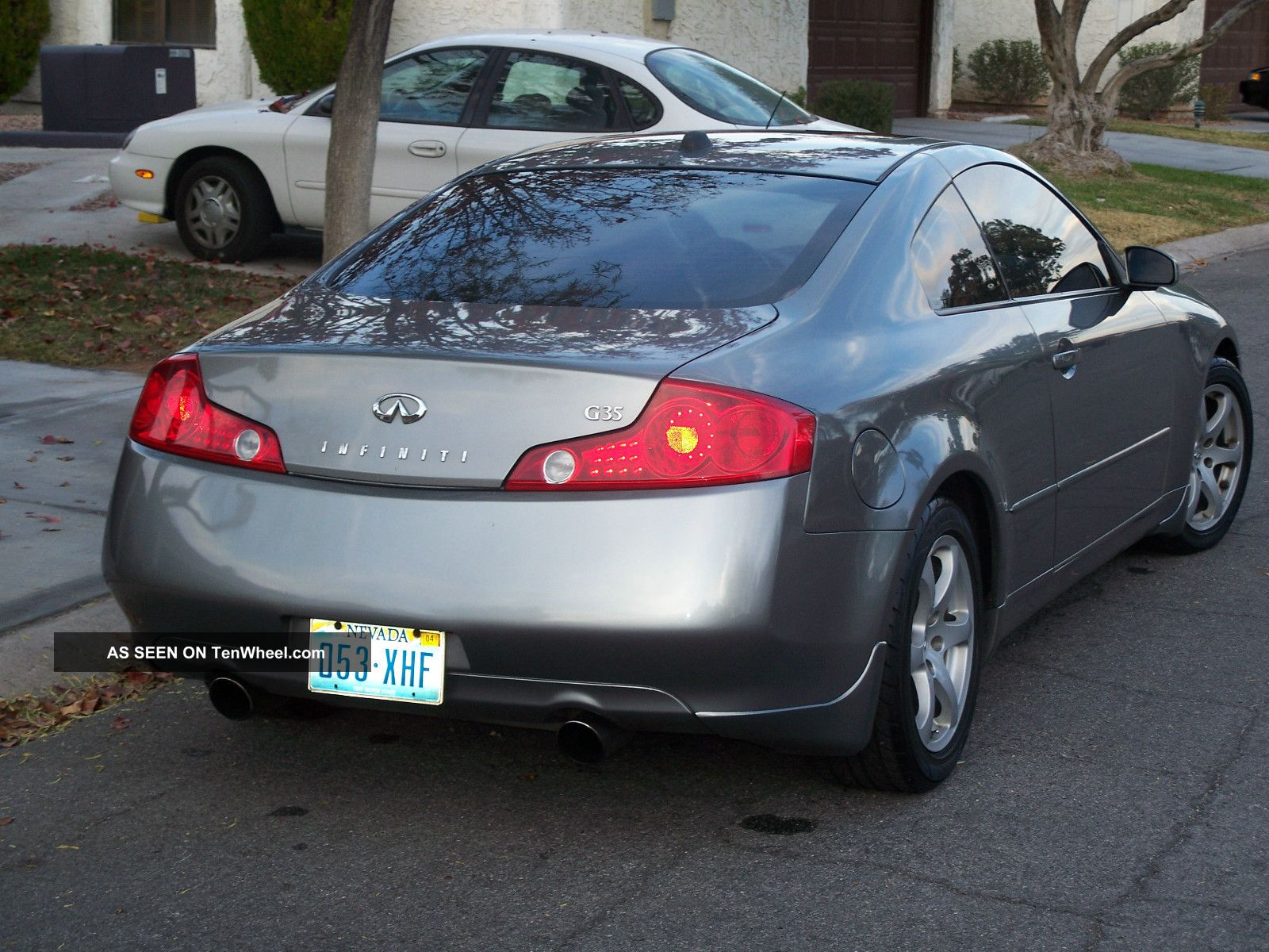2004 Infiniti G35 Silver And Black Coupe 2
