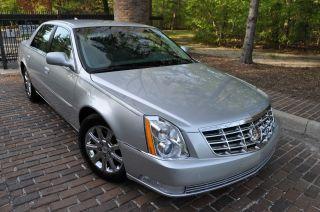 2009 Cadillac Dts Platinum /.  / Heated / Onstar / / Rebuilt photo
