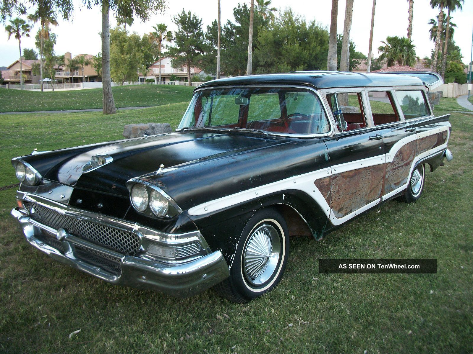 1958 Ford Country Squire 9 Passenger Station Wagon Other photo