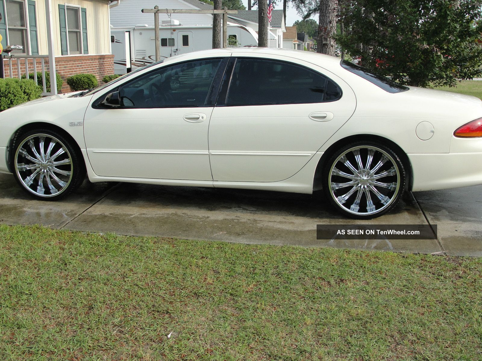 2002 chrysler concorde lx sedan 4 door 2 7l concorde photo 1. Cars Review. Best American Auto & Cars Review