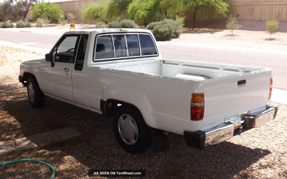 1985 Toyota 4x4 Car Interior Design
