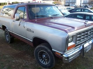 1985 Dodge Ramcharger Royal Se Sport Utility 2 - Door 5.  9l photo