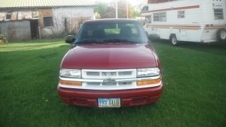 2001 Chevrolet S10 Ls Standard Cab Pickup 2 - Door 2.  2l photo
