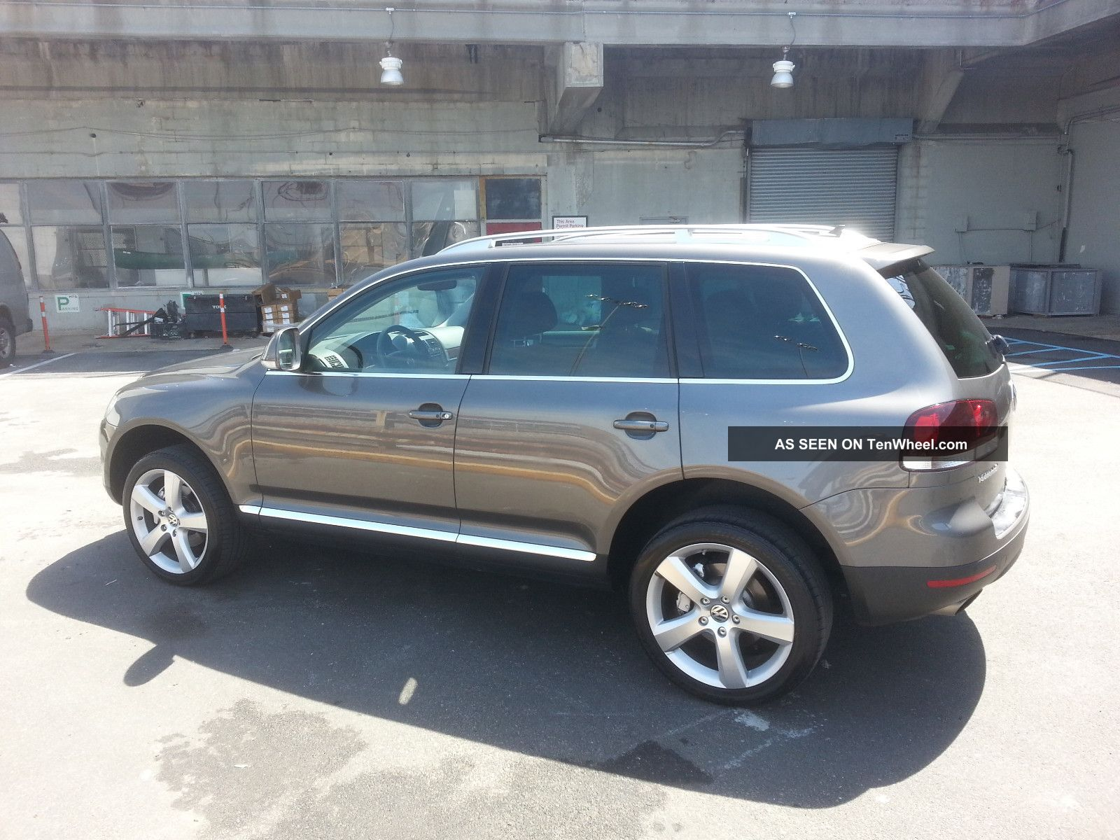 porsche cayenne engine specs with 27502 2008 Volkswagen Touareg 2 V8 on Porsche Cayenne Gts 957 2008 together with Honda Civic Type R 2015 Civic Type R Honda Civic 2015 Type Of Gasoline also 2015 Holden Ute Ss V Sandman Week With Review besides Interior 20Color 55272434 further First Ever Peter Brock Holden  modore Up For Sale 34761.