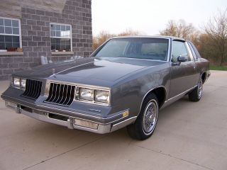 1986 Oldsmobile Cutlass Supreme Brougham Coupe 2 - Door 5.  0l photo