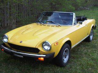 1978 Fiat 124 Spider Convertible 2 - Door 1.  8l photo