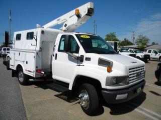 2005 Gmc 4500 Bucket Truck In Virginia photo