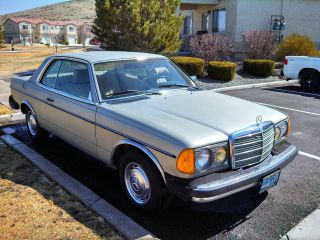 1978 Mercedes - Benz 300cd Base Coupe 2 - Door 3.  0l photo