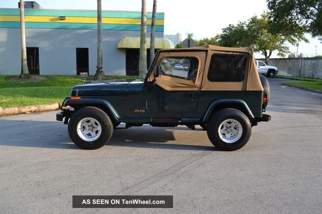 1993 Jeep Wrangler Sahara,  Auto,  31 Inch Tires,  Wide Stance,  Vg Condition, Wrangler photo