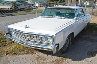 1966 Chrysler Imperial Crown 4 Door Hardtop photo