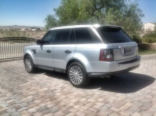 2011 Range Rover Sport / photo