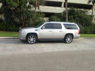 2007 Cadillac Escalade Esv Awd 6.  2 V8 Premium Pkg.  22in Chrome Wheels photo