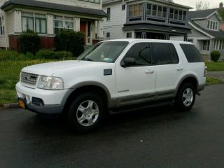 2003 Ford Explorer V8 4x4 photo