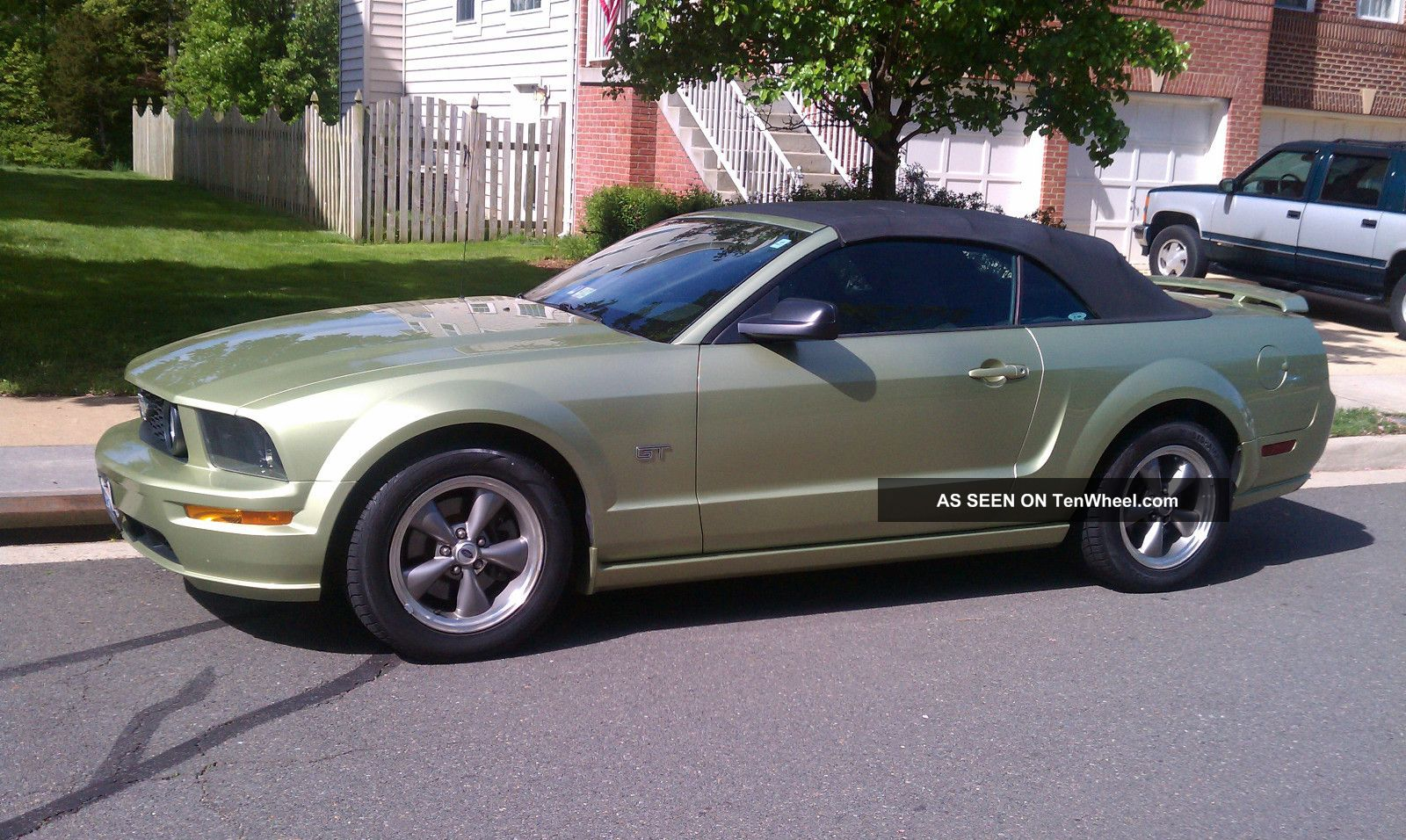 2006 Ford Mustang Gt Convertible 2 Door 4 6l Classic
