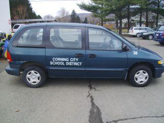 2000 Dodge Caravan 3.  3l Base 7 Passenger Van 4 - Door Teal photo
