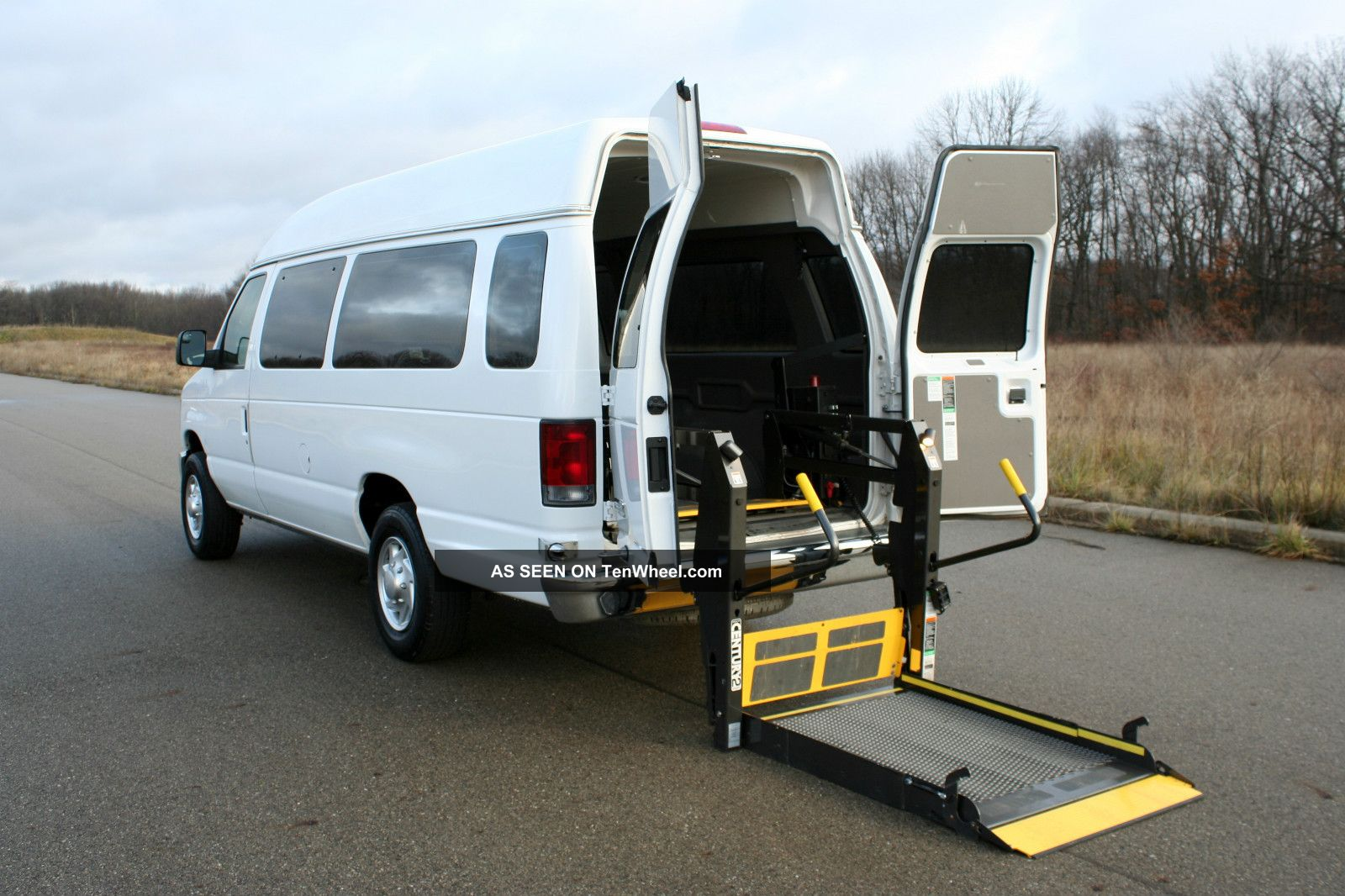 Wheelchair vans for sale ams vans inc for Wheelchair accessible homes for sale in florida