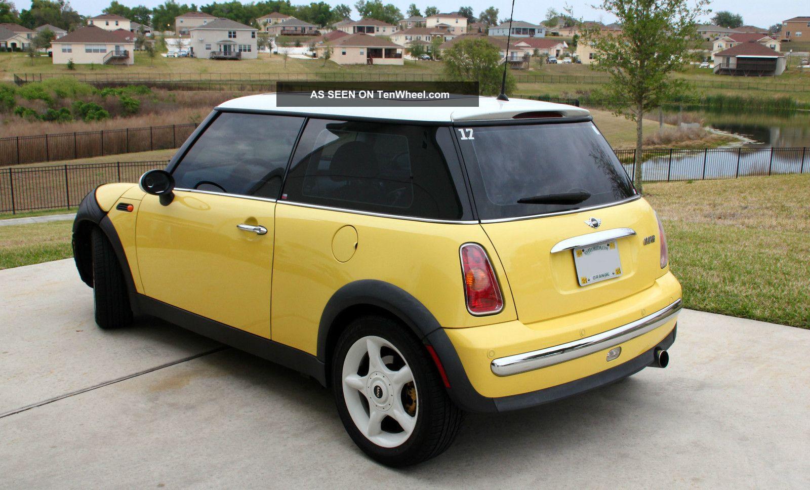 2002 mini cooper base hatchback 2 door 1 6l. Black Bedroom Furniture Sets. Home Design Ideas