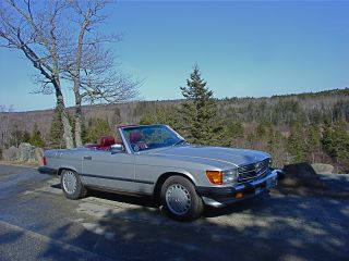 1987 560 Sl,  Silver With Burgundy photo