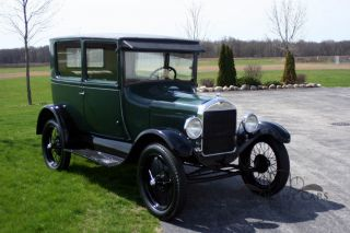 1927 Ford Model T Tudor - Nicely photo