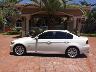 2011 Bmw 328i And photo