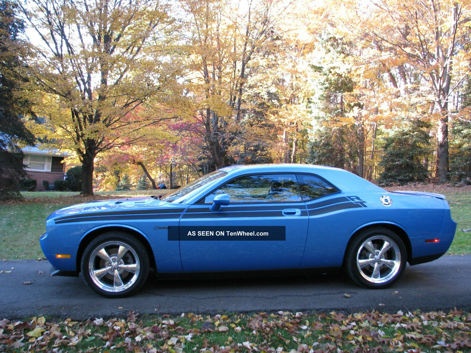 2009 Dodge Challenger R / T Coupe 2 - Door 5.  7l Challenger photo