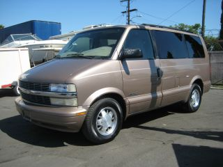 2001 Chevy Astro, photo