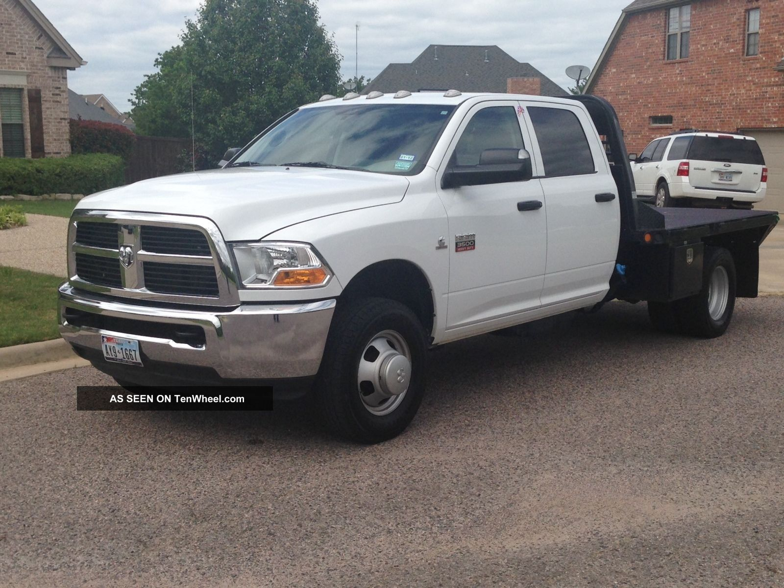 2011 Dodge 3500 Crew Cab 6.  7l Cummins Diesel Cm Trailers Flatbed Dually Ram 3500 photo