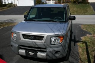 2003 Honda Element Dx Sport Utility 4 - Door 2.  4l photo