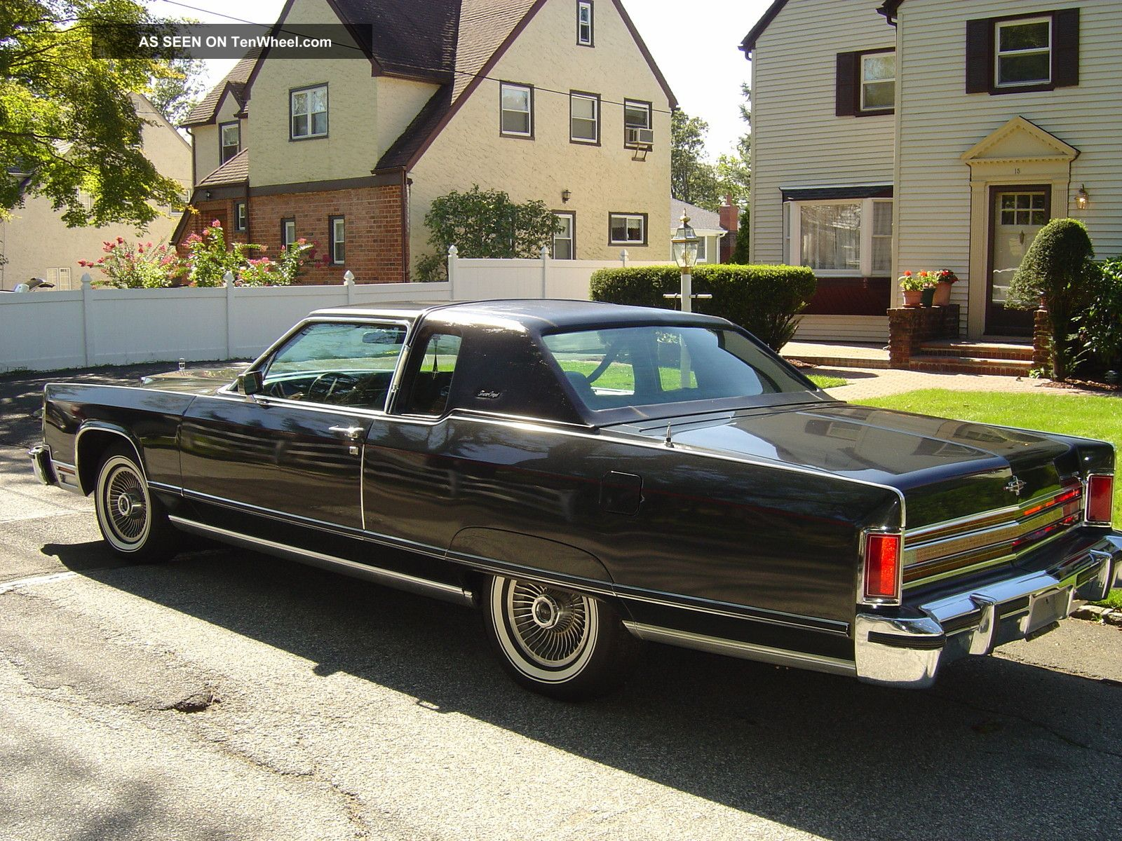 1977 lincoln town coupe all rare color combination. Black Bedroom Furniture Sets. Home Design Ideas