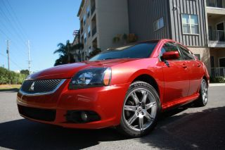 2010 Mitsubishi Galant Se Sedan 4 - Door 2.  4l photo