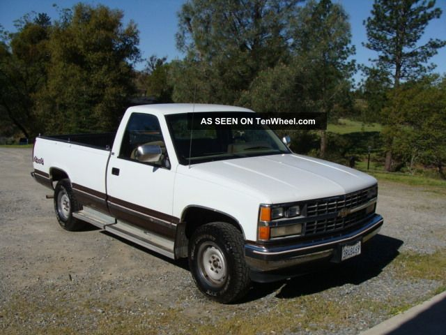 1988 Chevy Silverado C1500 4x4 Truck C/K Pickup 1500 photo