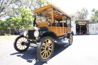 1915 Ford Model T Depot Hack photo