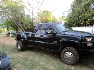 2004 Chevrolet 3500 Duramax photo