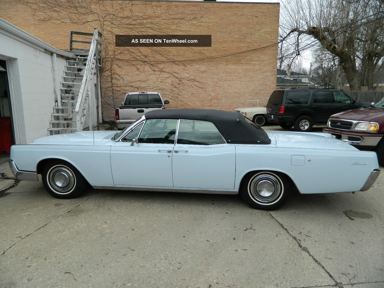 1967 Lincoln Continental Convertible Continental photo
