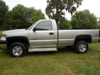 2005 Chevrolet Silverado 2500hd Pickup 4wd photo