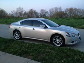 2011 Nissan Maxima 3.  5s Serious Offers Considered photo