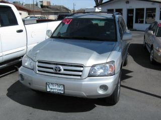 2004 Toyota Highlander Base Sport Utility 4 - Door 3.  3l photo