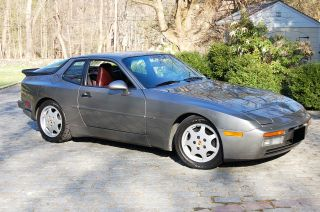 1987 Porsche 944 Turbo Coupe photo