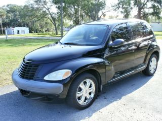 2003 Chrysler Pt Cruiser Base Wagon 4 - Door 2.  4l photo