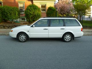 Rare 1996 Volkswagen Passat Tdi Wagon 4 - Door 1.  9l photo